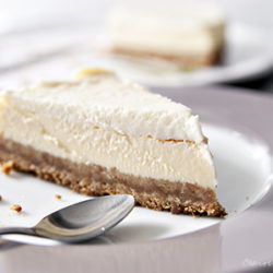 plain-cheesecake-slice