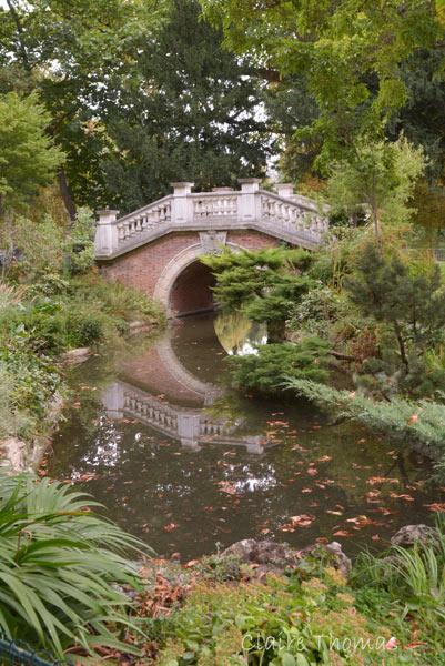 Paris Parc Monceau bridge