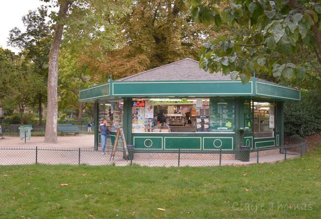 Paris Parc Monceau food kiosk