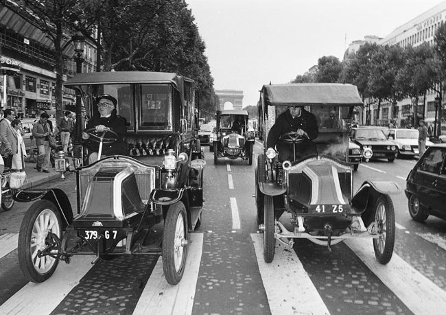 Old cars Paris